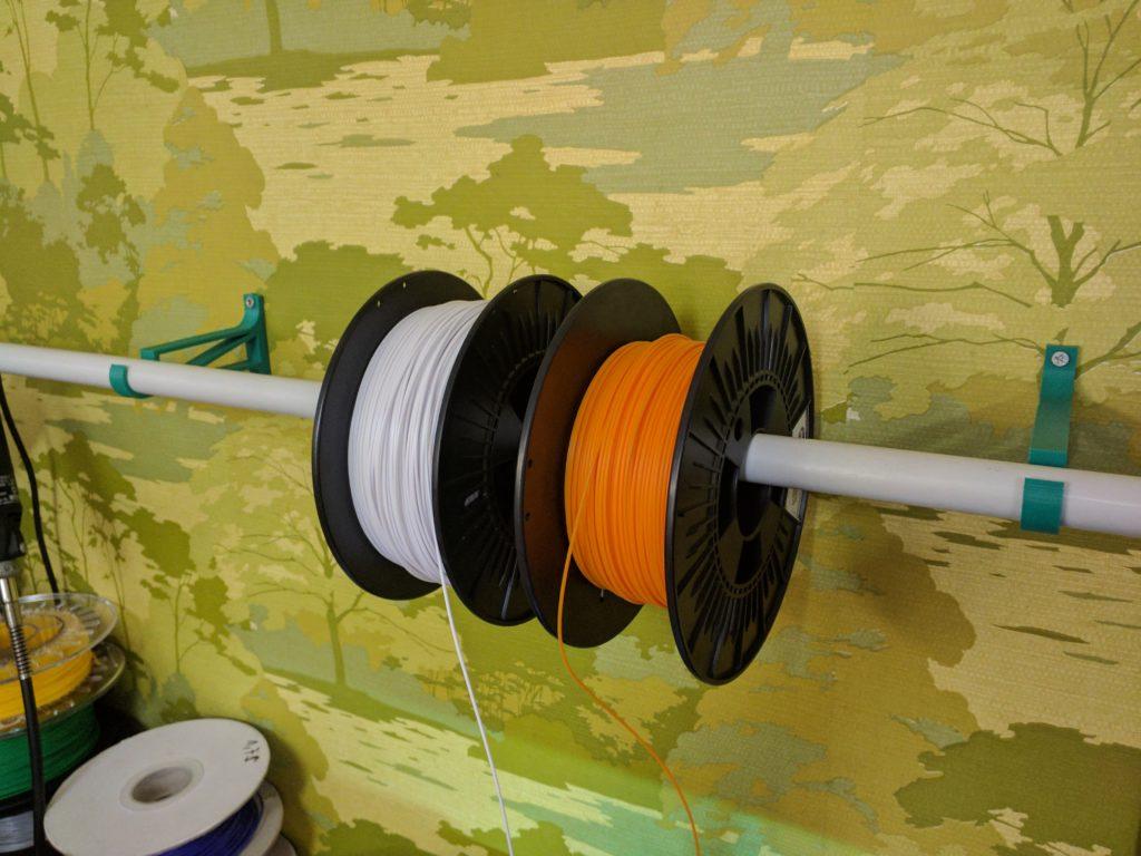 Kunststoffrohr als Filamentrollen-Halter